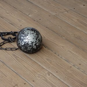 ball-and-chain-851439_640