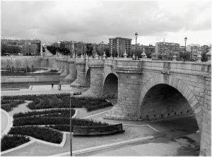 black-and-white-bridge www.saemabogados.com